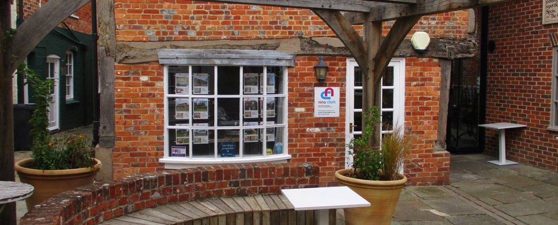 The Courtyard, Hungerford